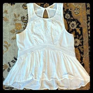 💕HP💕 HOLLISTER delicate lace sleeveless blouse